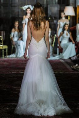 Julie Vino Fall 2017 collection show