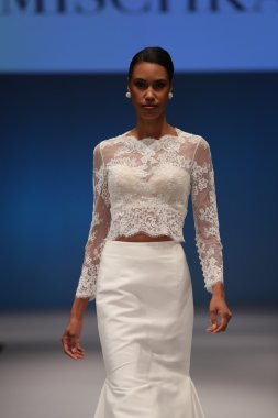 Badgley Mischka Fall 2017 Bridal Collection