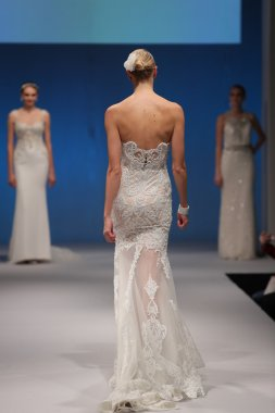 Badgley Mischka Fall 2017 Bridal Collection