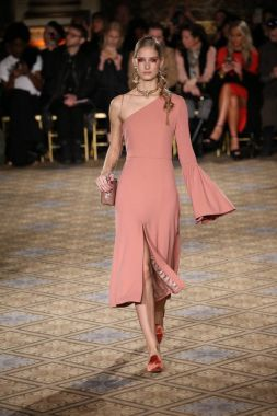 Christian Siriano collection