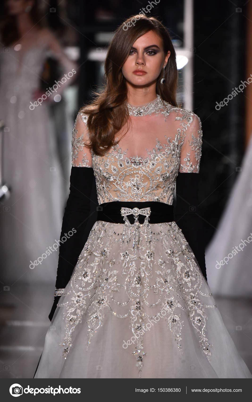 Ungewöhnlich Kaufen Kleid Reem Acra Hochzeit Zeitgenössisch ...