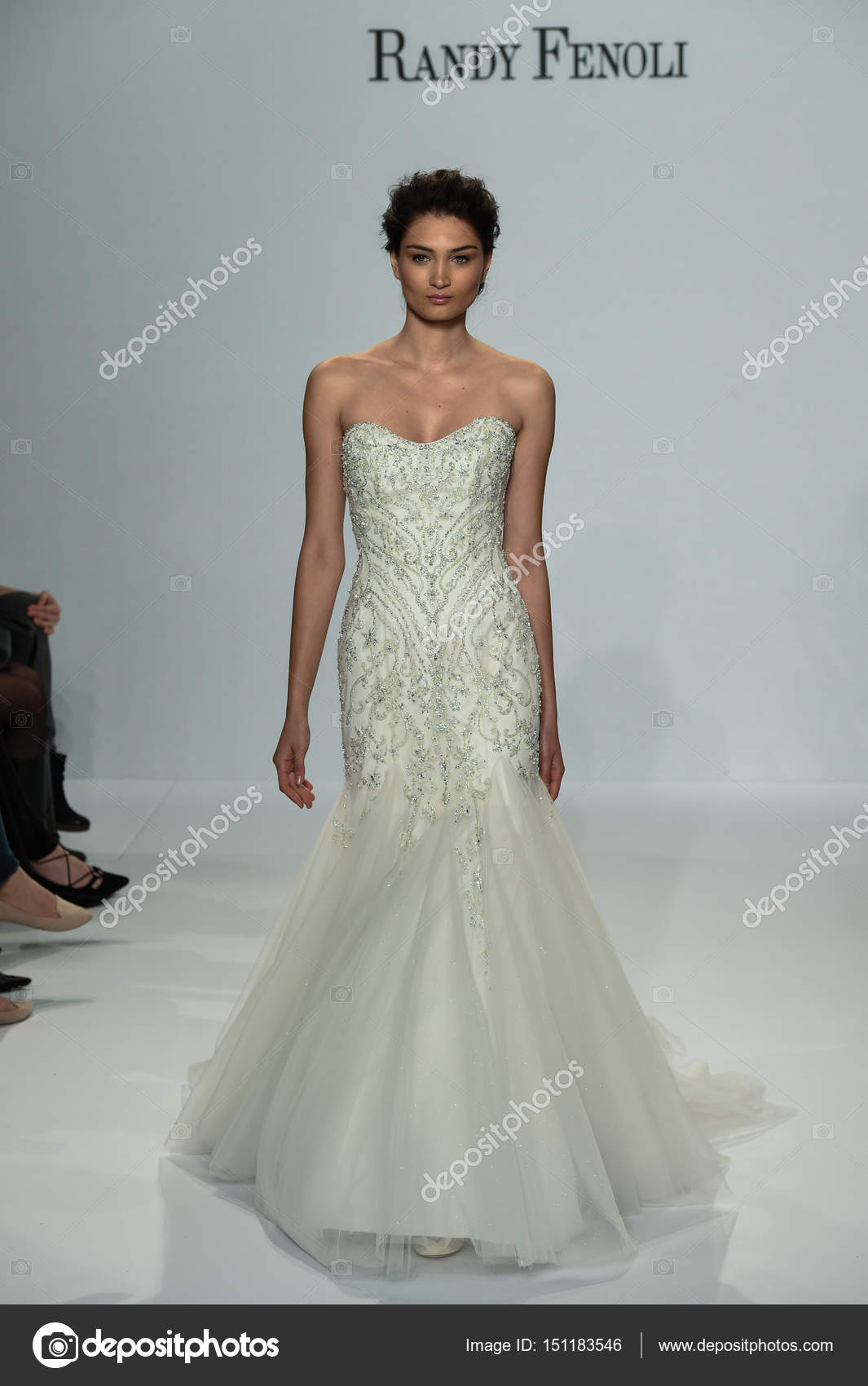 Voir La Randy Fenoli Bridal Photo éditoriale Fashionstock 151183546