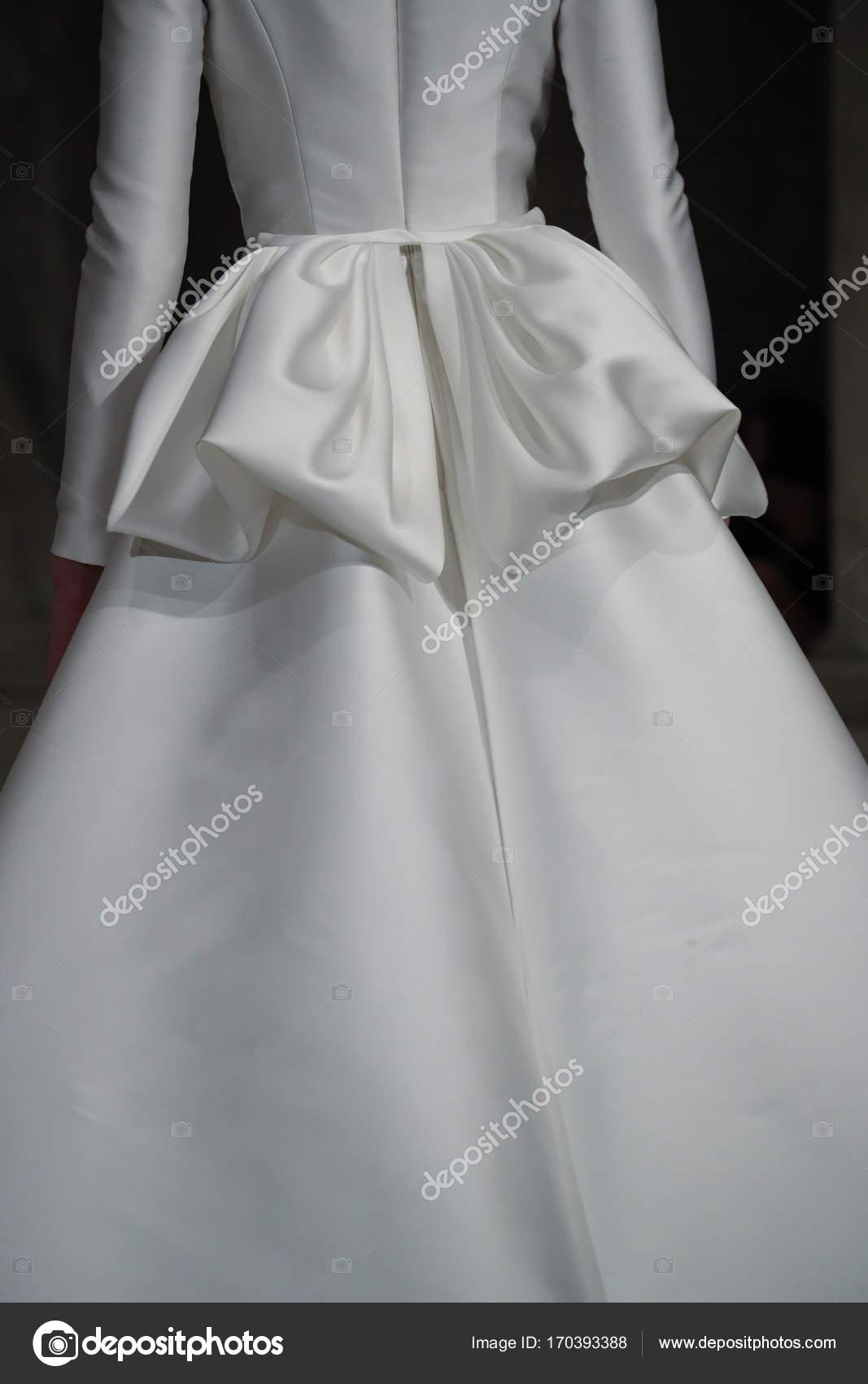 Reem Acra Bridal show – Stock Editorial Photo © fashionstock #170393388