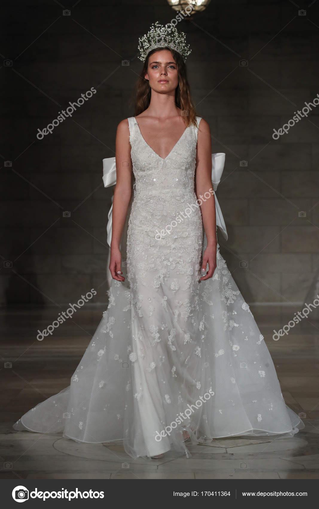 New Reem Acra 2018 Wedding Dresses