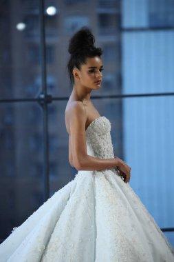Ines Di Santo Bridal show
