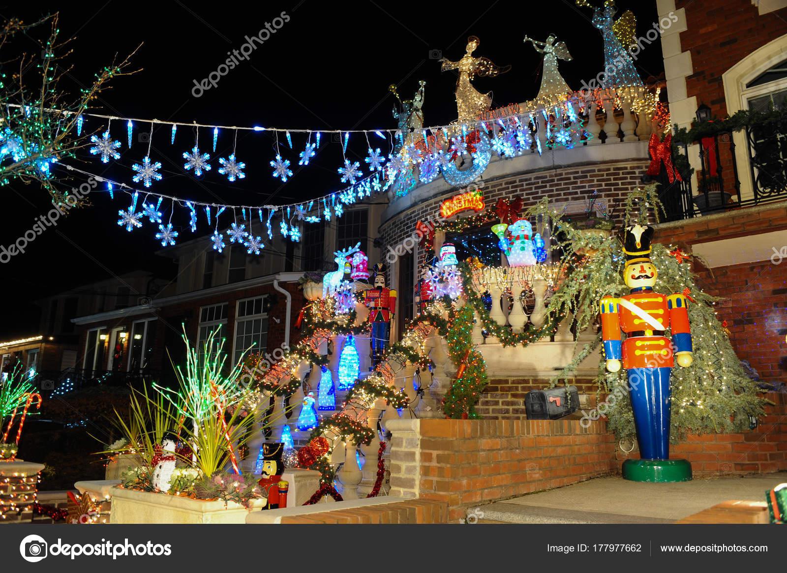 Dyker Heights Christmas Lights.Brooklyn New York December 2017 Dyker Heights Christmas