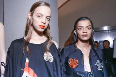 MILAN, ITALY - SEPTEMBER 22: Models are seen backstage ahead of the Marco De Vincenzo show during Milan Fashion Week Spring/Summer 2018 on September 22, 2017 in Milan, Italy.
