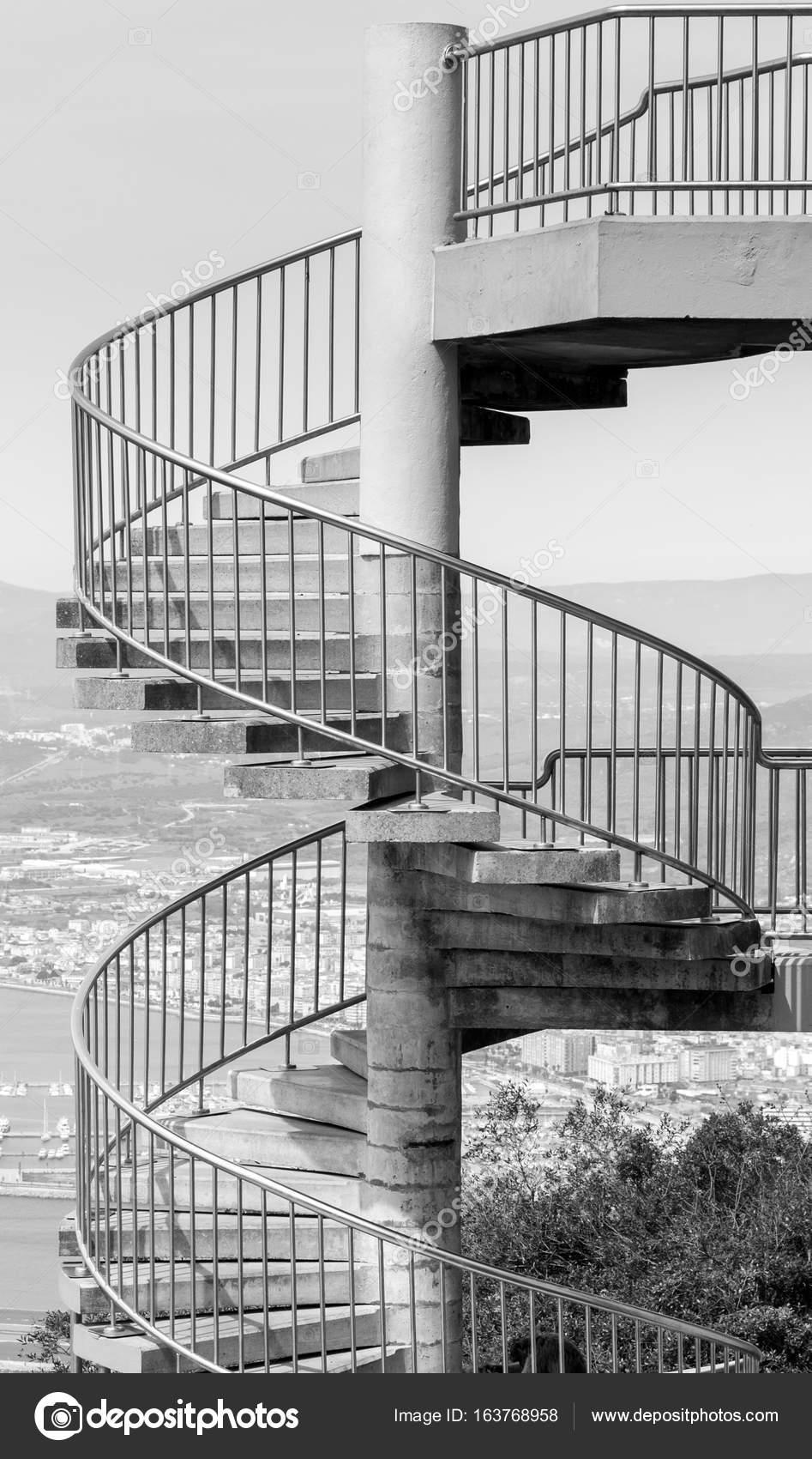 Escalera de caracol concreto — Foto de stock © johnbraid #163768958