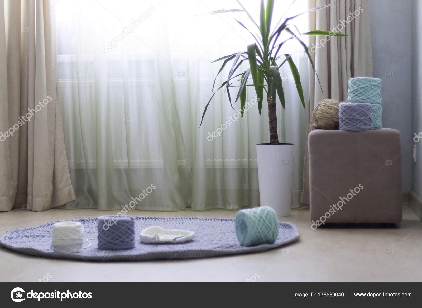 Blauwe Vloerbedekking Slaapkamer : Het blauwe tapijt kamer u2014 stockfoto © klevers #178589040