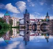 Praha je hlavním městem České republiky, evropského státu. Historické památky.