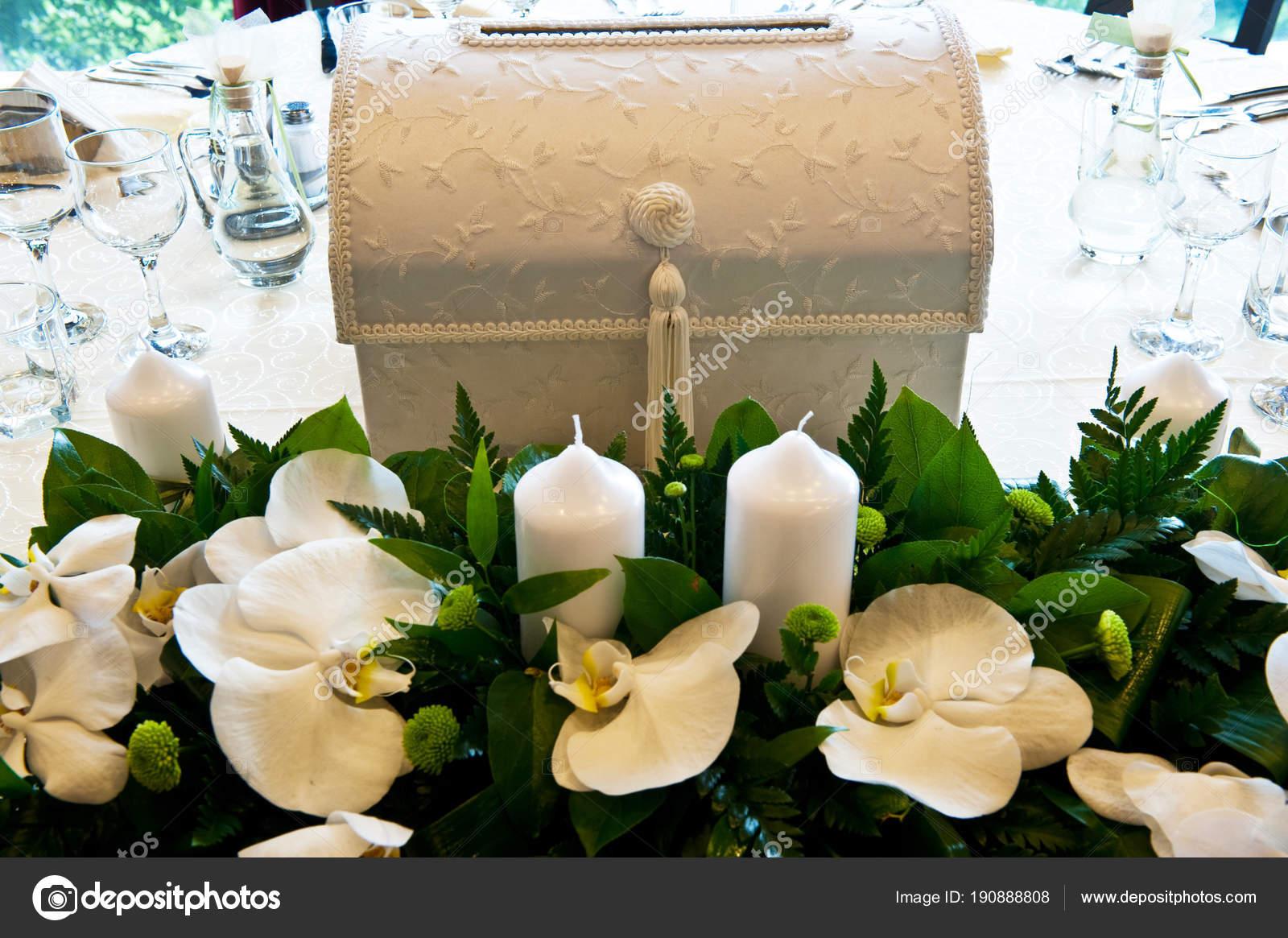Dekorace Svatebni Stul Krasne Svatebni Doplnky Tabulce Udalosti