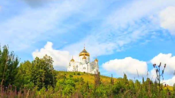 Belogorsky Klášter St. Nicholas ortodoxní misionář. Rusko, Perm území, bílá Hora. Časová prodleva. Video. UltraHD (4k)