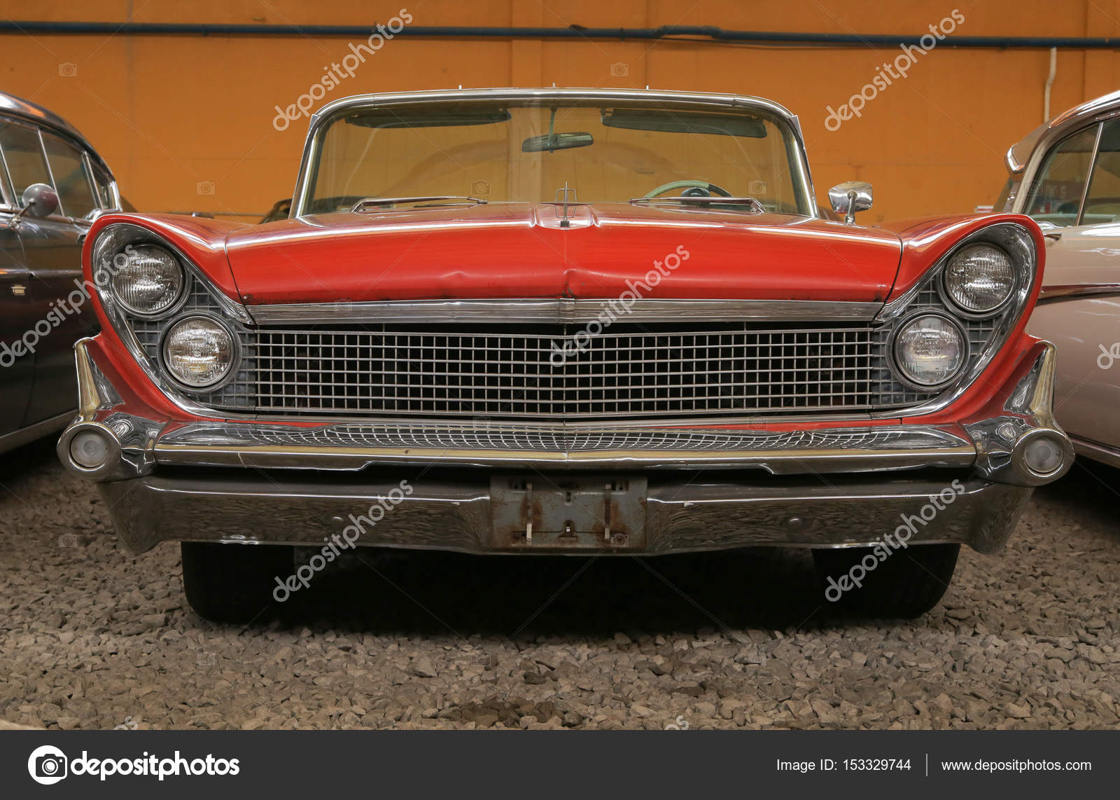 Exhibition of old cars. Lincoln – Stock Editorial Photo ...