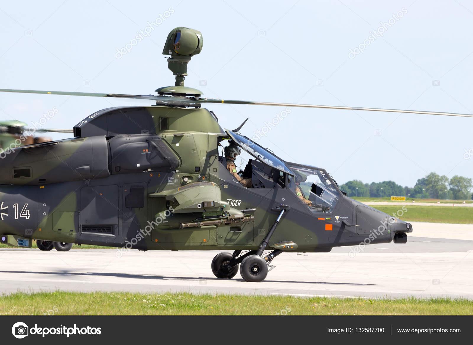 Elicottero Tiger : Elicottero d attacco tigre — foto editoriale stock