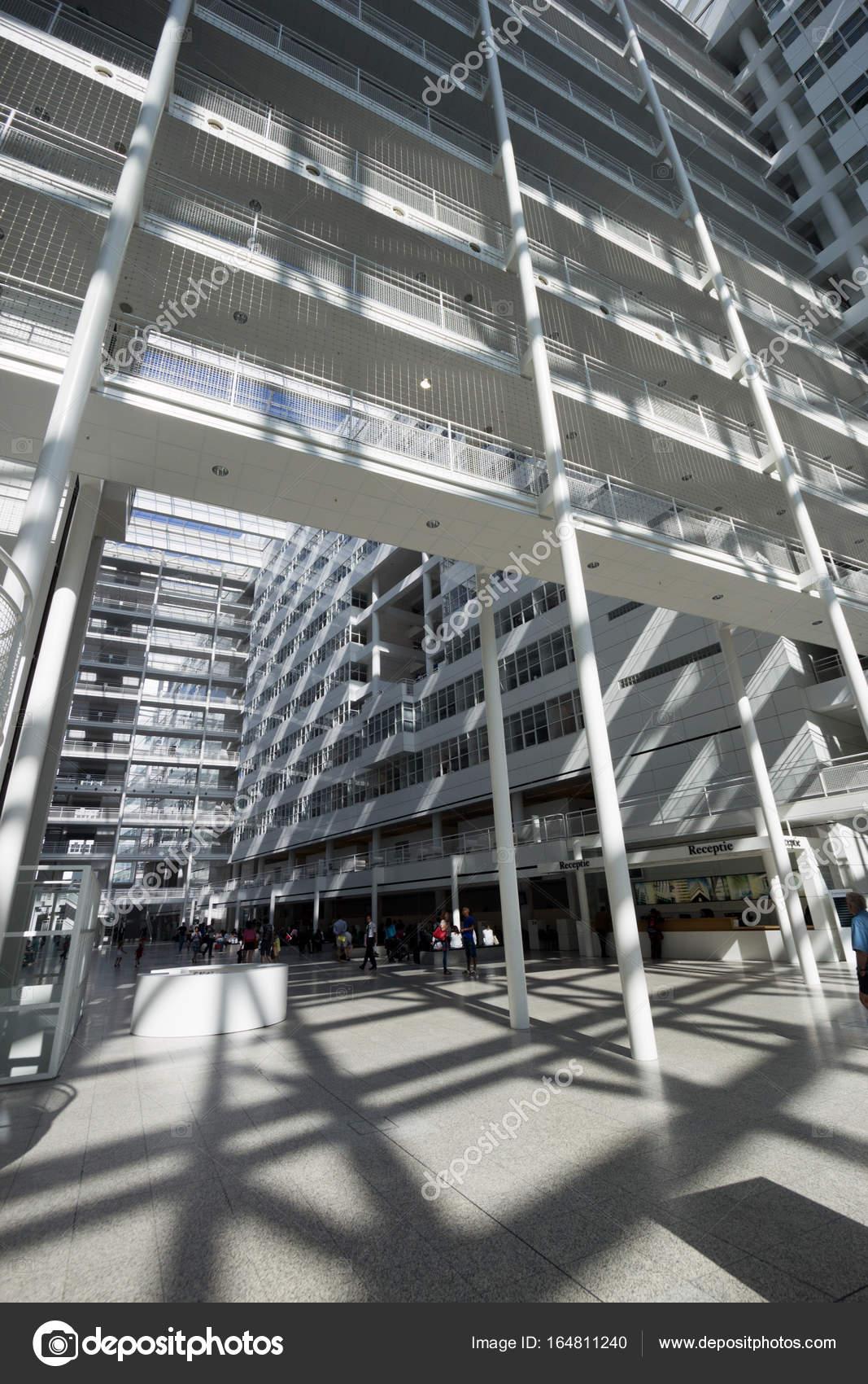 Den Haag Interieur Rathaus Architektur — Redaktionelles Stockfoto ...