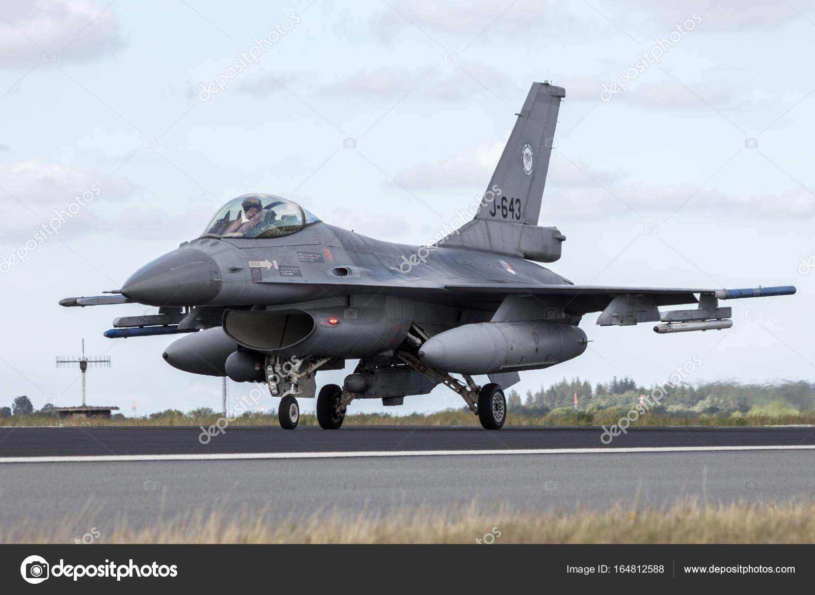 Aerei Da Caccia Turboelica : Aeroplano militare di aerei da caccia f — foto