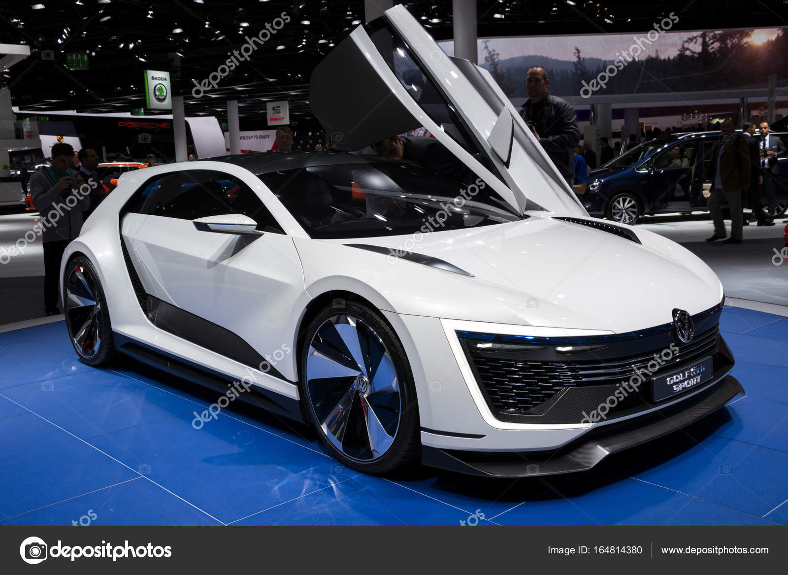 volkswagen golf gte sport concept car redaktionelles. Black Bedroom Furniture Sets. Home Design Ideas