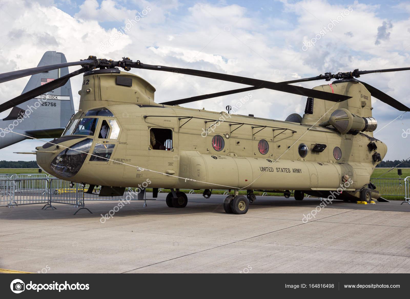 Elicottero Ch : Elicottero chinook cargo militari u foto editoriale stock foto