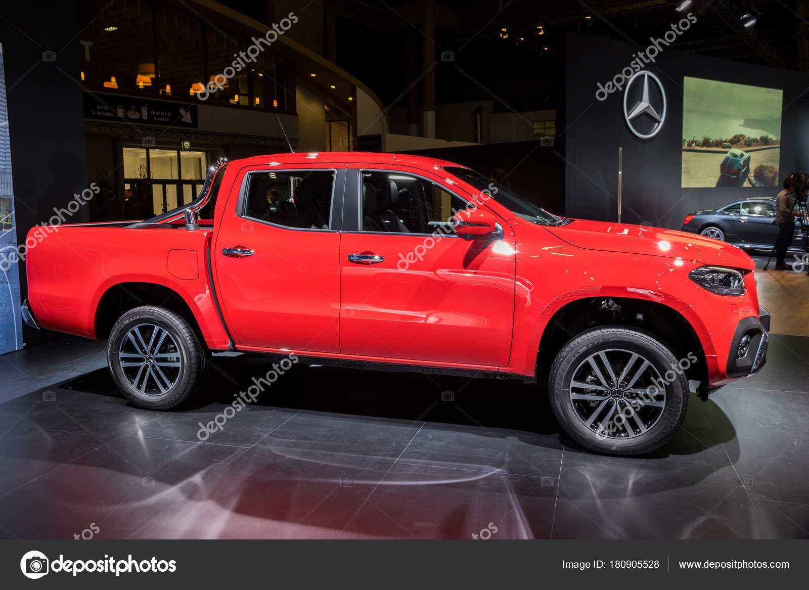 Brussels Jan 2018 Mercedes Benz Class Luxury Pickup Truck Showcased