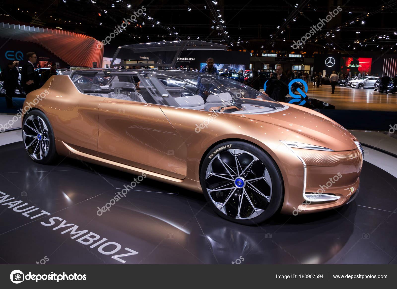 Brussels Jan 2018 Renault Symbioz Autonomous Electric Concept Car