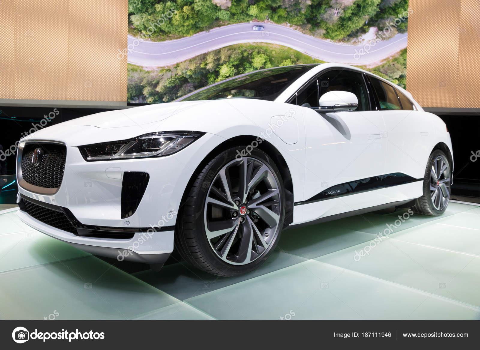 93dde1d25135d Genebra, Suíça - 6 de março de 2018  Jaguar-Pace Suv carro elétrico  apresentado na 88ª Geneva International Motor Show — Foto de Foto-VDW