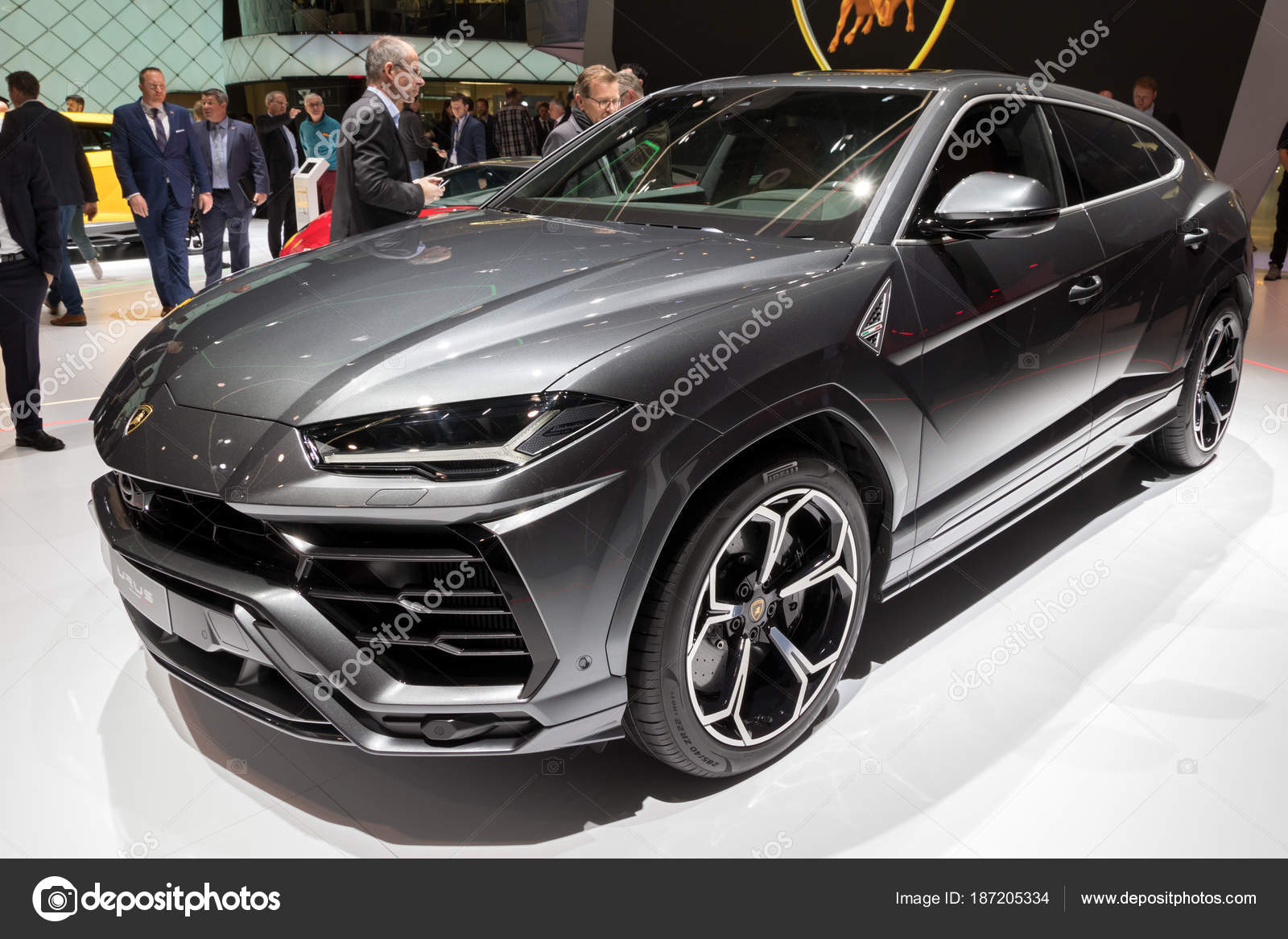 nieuwe lamborghini urus suv auto redactionele stockfoto foto vdw 187205334. Black Bedroom Furniture Sets. Home Design Ideas