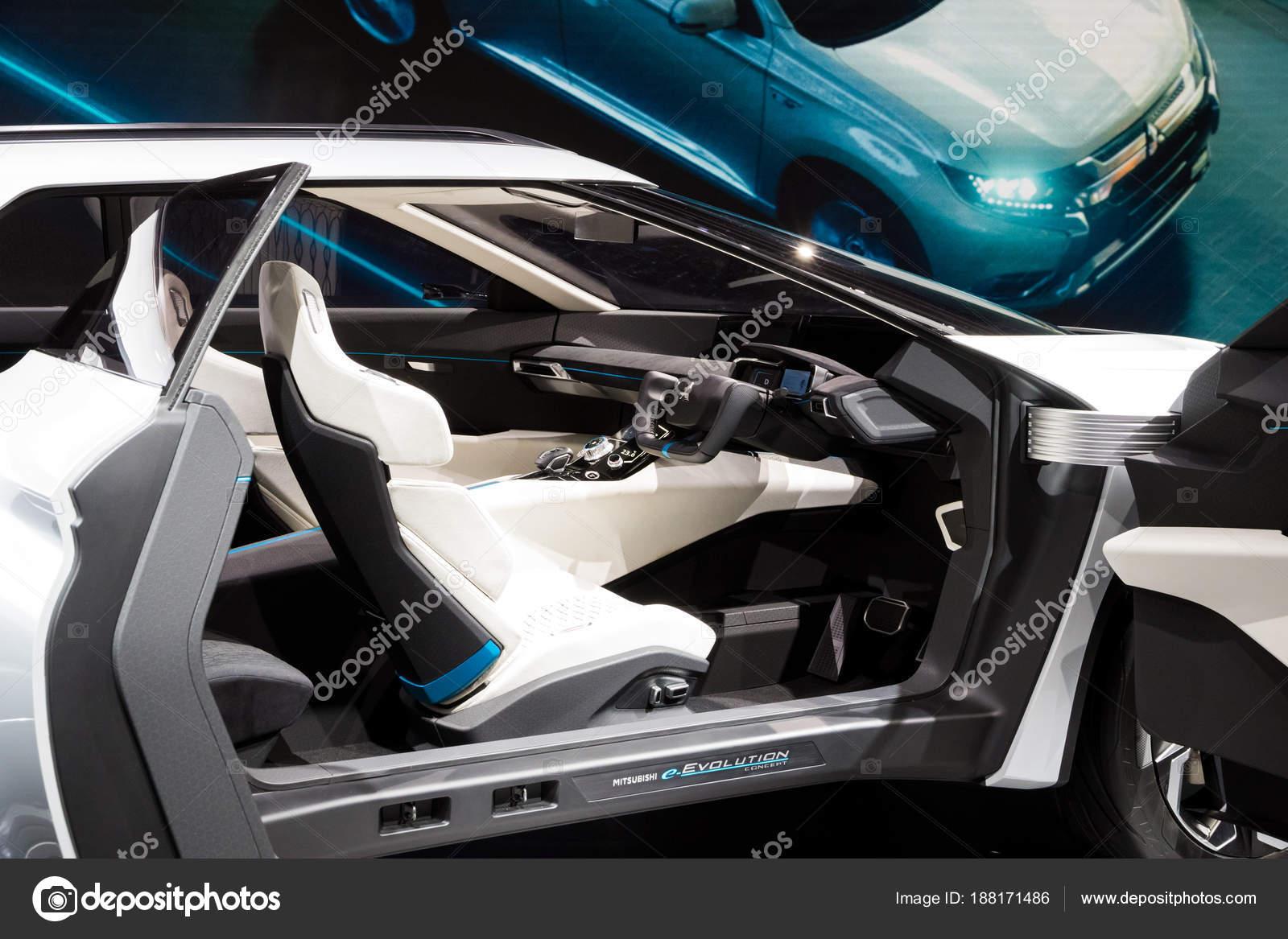 Mitsubishi E Volution Electric Concept Car Redaktionelles