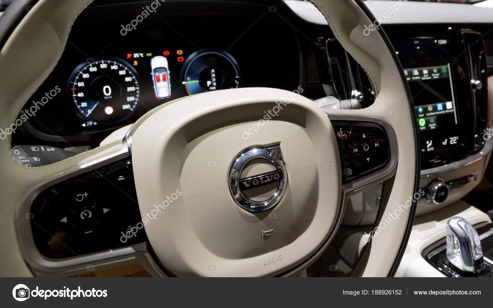 Dashboard Interieur Volvo V60 Auto — Redaktionelles Stockfoto © Foto ...