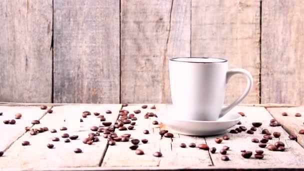 Šálek horké kávy.