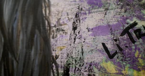 Dziewczyna Artysta Podpisuje Jej Zdjęcie Artysta Maluje Obraz Na