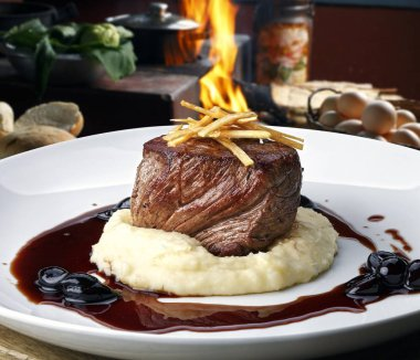 Filet mignon with mashed