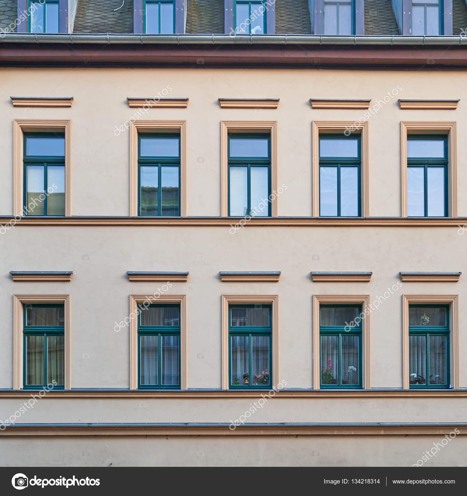 Modele facade maison peinture pour facade maison concernant rouge de maison modle latest - Cuisine darty modele sorbonne ...