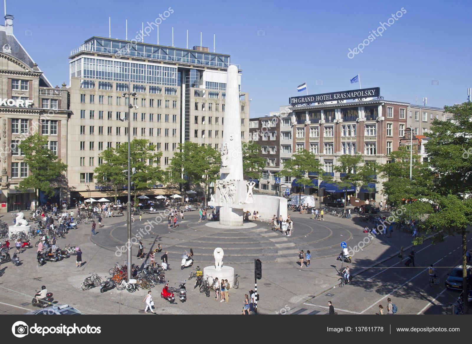 Pra a dam e monumento em amsterdam holanda fotografia for Ostello amsterdam piazza dam