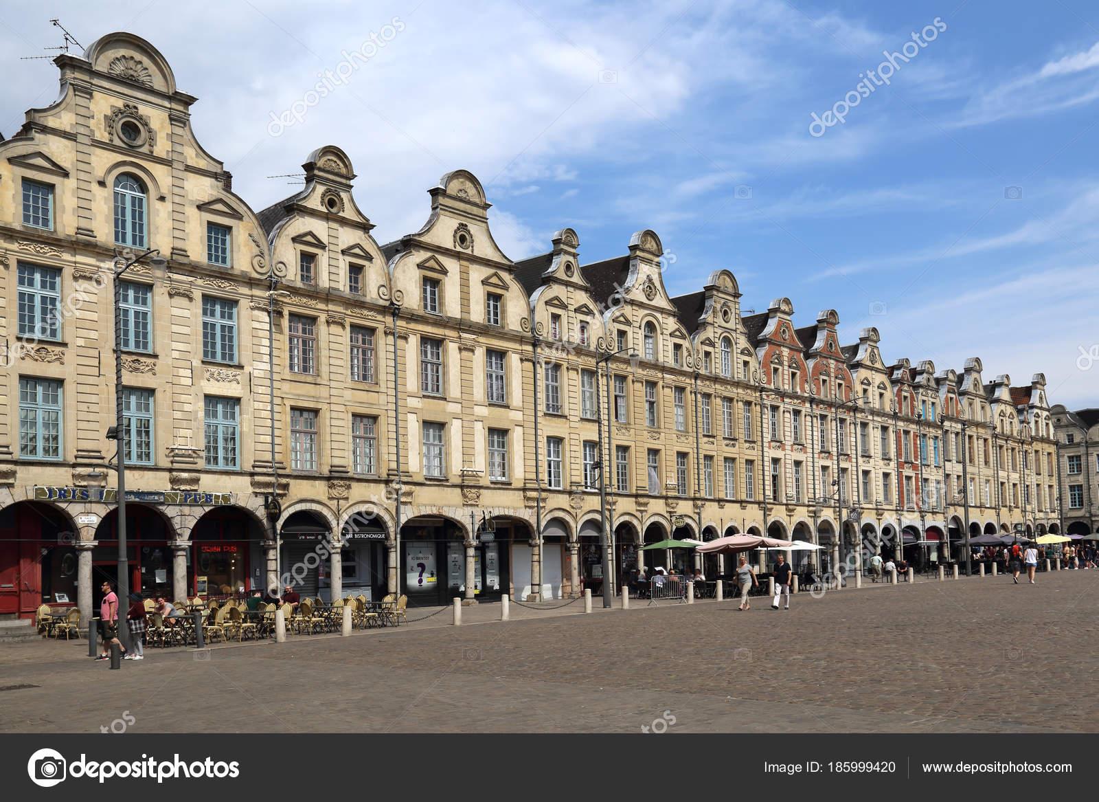piazza citt di arras in francia foto editoriale stock jankranendonk 185999420. Black Bedroom Furniture Sets. Home Design Ideas