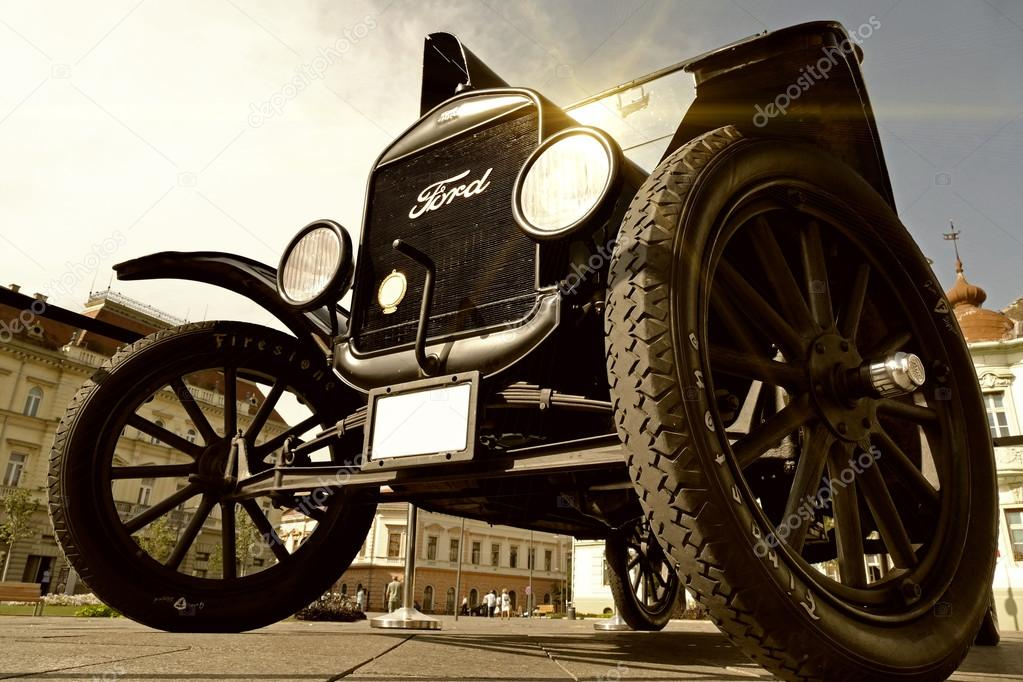Old car -Ford Model T – Stock Editorial Photo © overcrew #125407338