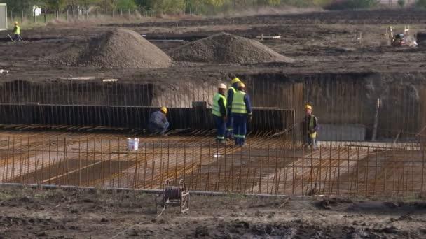 Občanské funguje na výstavbu nové továrny