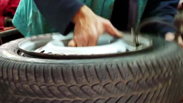 Nafouknutí a vyvažování pneumatik