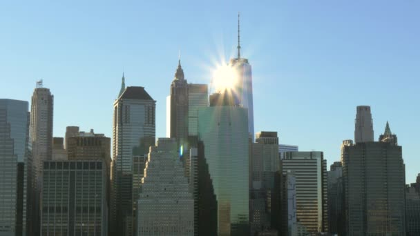 sun shining off of the One Wold Trade centre