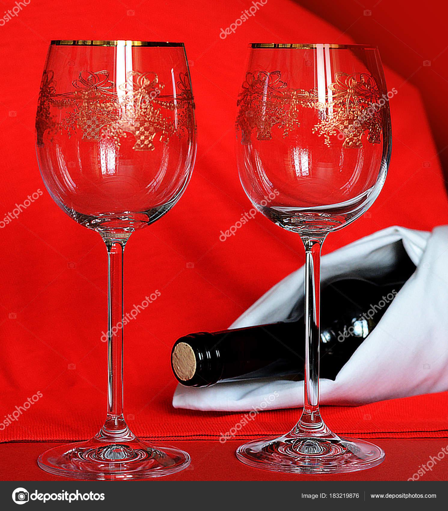 Glaser Wein Und Eine Flasche Weisse Serviette Restaurant