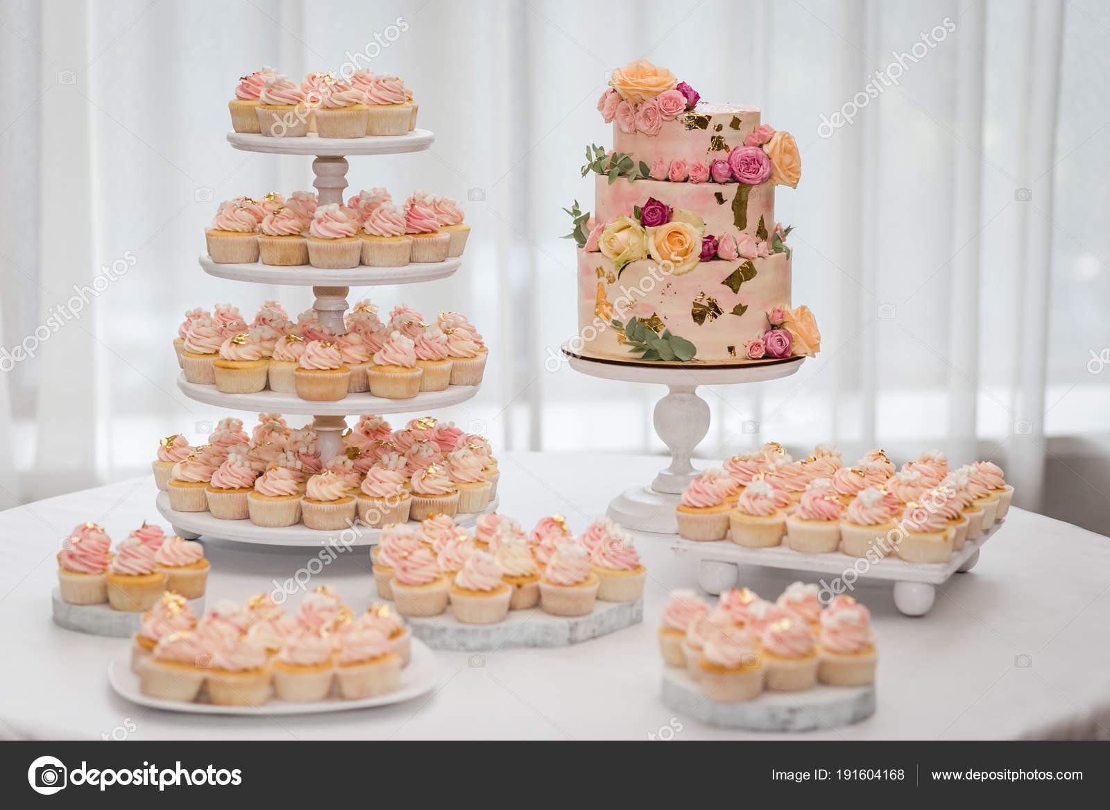 Buffet Di Dolci Per Compleanno : Anti pasti menù per feste di compleanno e cerimonie ׃ buffet