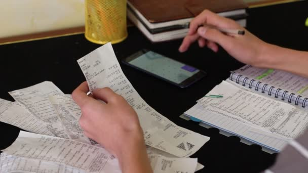 Definizione del budget. Risparmiare sui generi alimentari. Budget delle economie domestiche e pianificazione finanziaria
