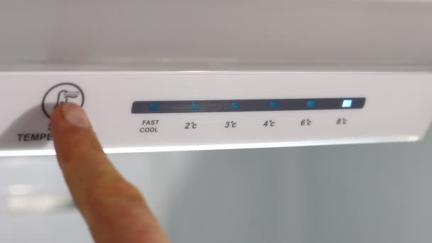 Hűtő hőmérséklet-vezérlők beállítása. Hőmérséklet le