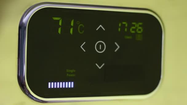 Chytré domácí termostat. Vzdáleně řídit pohodlí domova ze smartphonu, tabletu či notebooku pomocí aplikace pro zařízení