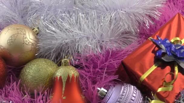 Vánoční dekorace a vánoční dárky