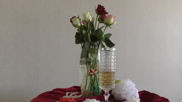 Zátiší s květy růží