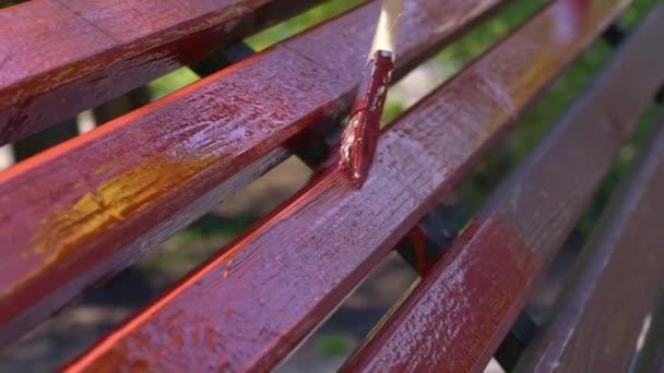Sarı Koruyucu Eldiven Boyama Ahşap Tahta Elinde Fırça Fırça Kırmızı