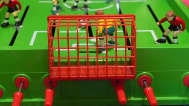 Stolní fotbal, dětská stolní hra, pomalý pohyb