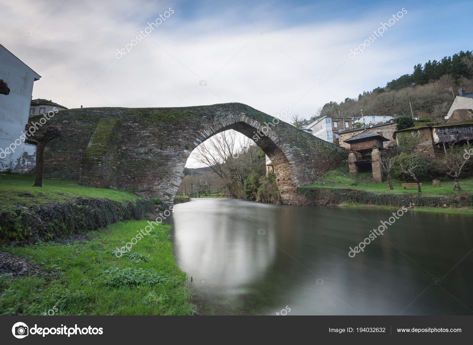 Fotos De Navia roman bridge in navia de suarna — stock photo © garridoxoan