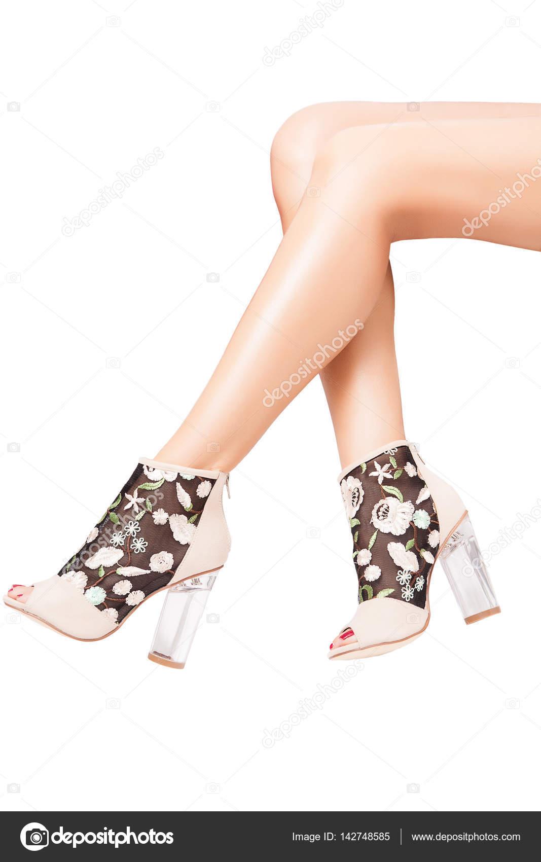 191502f303 Lindos sapatos com saltos altos