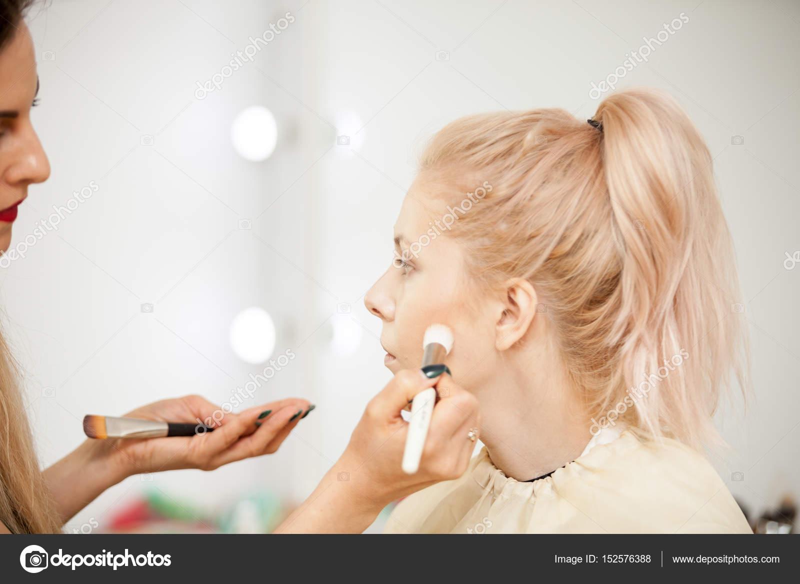 Bilder von blonden Models